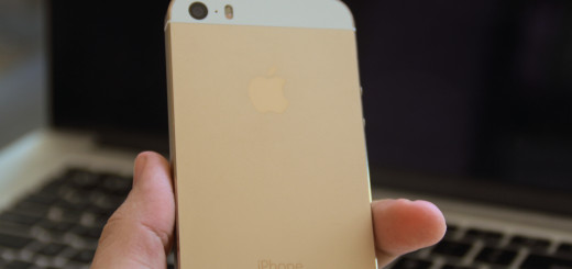iPhone 5S gold in my hand