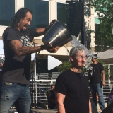 video of tim cook, apple CEO, taking ALS ice bucket challenge