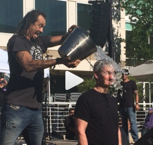 video of tim cook, apple CEO, taking ALS ice bucket challenge